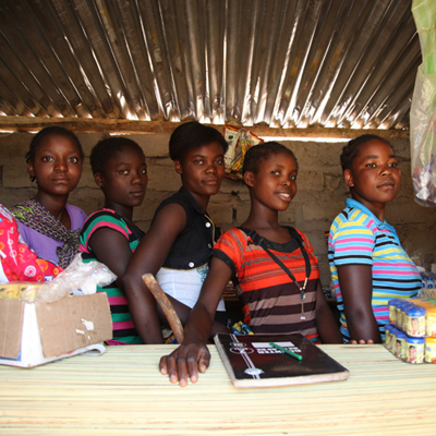 girls in Sambia